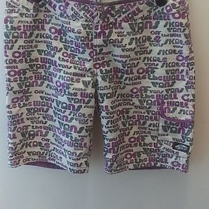 Vans Off The Wall Shorts Size 7